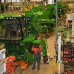 Czy warto odwiedzić fabrykę przed zakupem maszyny rolniczej?
